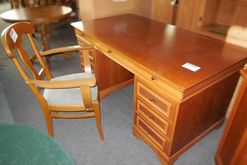 schreibtisch alt mit stuhl gebraucht dresden an und. Black Bedroom Furniture Sets. Home Design Ideas