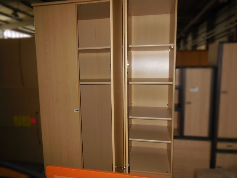 kleiderschrank 3 t rig mit spiegel gebraucht dresden. Black Bedroom Furniture Sets. Home Design Ideas