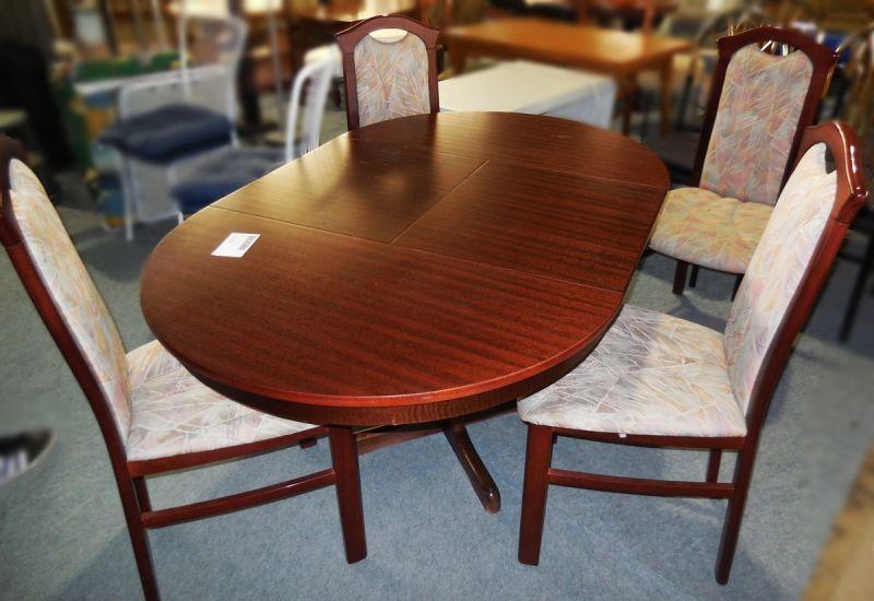 runder Esstisch ausziehbar und 4 Stühle gebraucht Dresden  ~ Esstisch Und Stühle Gebraucht